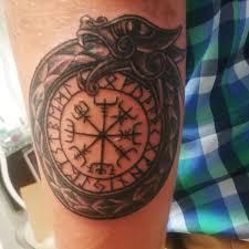 Vegvisir I Jormungand Vegvisir Studio Tatuażu N Tattoo Facebook
