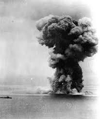 「1985年 - 日本海軍の戦艦「大和」が東シナ海の海底で発見される。」の画像検索結果
