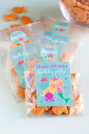 3 diy mermaid party favors goldfish snacks evermine blog evermine