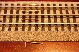 track lionel trains wires
