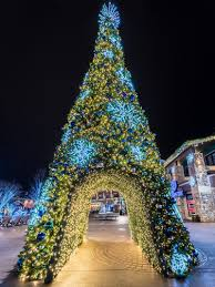 Dollywood Christmas Lights 2019 Winterfest At The Island In Pigeon Forge Smoky Mountain