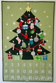 A Bright Corner: Advent Calendar & Quilted advent calendar with felt ornaments Adamdwight.com