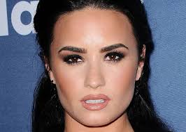 the best celebrity smokey eye makeup looks