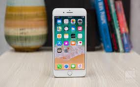Bạn có biết iPhone 8 Plus là điện thoại lớn nhất, nặng nhất của Apple từ  trước đến nay?