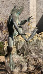 sculpture garden at yavapai college features a fancy 5 foot frog