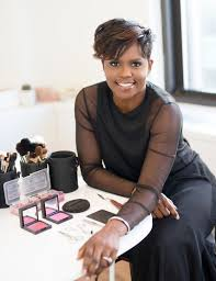 sisi nike is a makeup artist and a proud new jersey native she is a woman that embos a relentless work ethic and prides herself on exceptional service