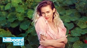 Miley Cyrus เตรยมปลอยอลบมใหม พรอมลคใสๆ เหมอนแม