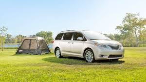 2017 Toyota Sienna Pricing - For Sale | Edmunds