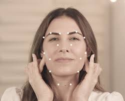 Facial Rejuvenation Cosmetic Acupuncture Points Chart Facial Pressure Points Easy At Home Beauty Hack The