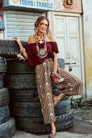 Лёгкие платья с затейливыми узорами, кимоно с бахромой, летние замшевые сапоги, льняное кружево, бисер и вышивка. Boho Shik Zhenstvennost I Romantichnomt V Chistom Vide Stil Boho Boho Hippi Stil