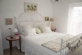 Stanze da letto shabby: shabby chic camera da letto stile caldo e