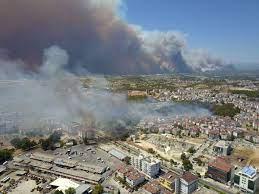 Manavgat'ta büyük orman yangını - Son dakika haberleri