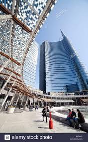 Piazza Gae Aulenti neue Milano Porta Garibaldi. UniCredit-Gebäude  Stockfotografie - Alamy
