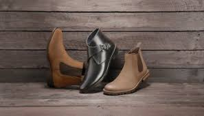 As the air gets nippy and the leaves start to change, one of the things we look forward to most is the chance to don our autumnal best. How To Wear Chelsea Boots With Style