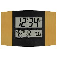 ws 8147u it atomic digital wall clock with temperature and moon phasemonitors indoor temperature f c humidity rh by la crosse technology com