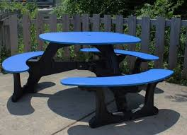 46 round recycled plastic picnic table