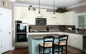 kitchen wall color ideas with cream cabinets best paint colors