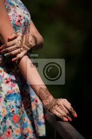 Fototapeta Henna Tetování Na Ruce Krásné Indiánské Ozdoby Mehendi Namalované