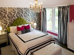 Bedroom: Small Bedroom Design With Fancy Floral Wall Print And Personable  King Bed Size With