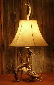 Whitetail Deer 3-Antler Lamp
