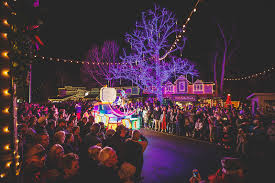Christmas Lights Branson Mo An Old Time Christmas In Branson Explorebranson Com