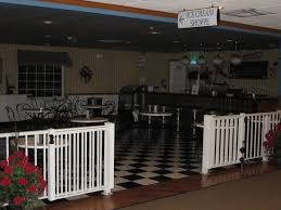 bluegate garden inn. Blue Gate Garden Inn - Shipshewana Hotel: Ice Cream Parlor Bluegate R