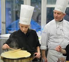 Tiffany élève Pâtissière à Lecole De Cuisine Lenôtre Du Bruit