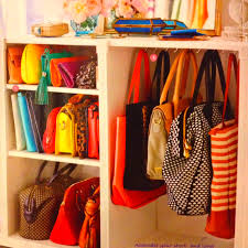 33 storage ideas to organize your closet and decorate with organizing handbags