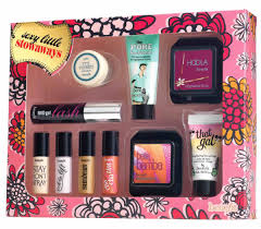 benefit cosmetics y little stowaways kit