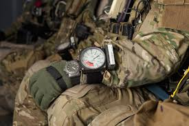 how to the durable and best military watches for men 2016 best military watches for men