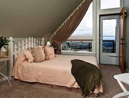 rose garden room chehalem ridge bed