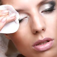 how to how to remove makeup youu0026 39 re removing your eye makeup