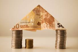 In Portugal, the net wealth per household increased from <b>2013 to</b> ...