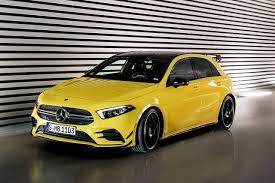 El amg gt brinda nuevas variantes para el diseño de su volante, y también brinda una variedad de decoraciones para la parte interna. Mercedes Amg A 35 Primer Deportivo Derivado Del Nuevo Clase A Auto Infoblog