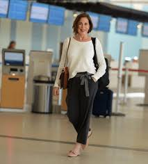 Cute winter women airport outfits ideas Celebrity How To Dress In 30s For Women Outfit Trends 45 Latest Fashion Ideas For Women In 30s Outfits Style