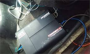 solved i have an mtx thunder tc4004 amp and when ever i fixya i have an mtx thunder tc4004 amp and when ever i turn it on the speaker moves when nothing is playing and only the bottom outputs are working