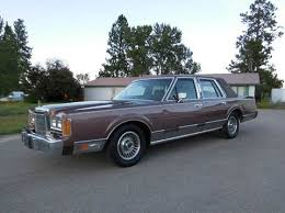 1986 lincoln town car wiring diagram car fuse box and wiring fuel pump relay location for 2000 lincoln town car besides wiring diagram 1995 ford thunderbird as