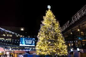 christmas tree lighting chicago. 2017 Heidi Zeiger Photography Christmas Tree Lighting Chicago E
