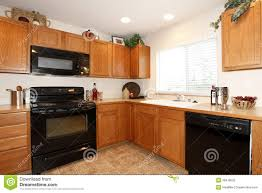 maple kitchen cabinets with black appliances. Oak Kitchen Cabinets With Black Appliances Maple