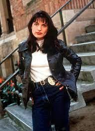 """Mariska Mission on Twitter: """"#FlashBackFriday ❤ @Mariska in """"Cracker"""", in  1997, as Detective Penny Hatfield.… """""""