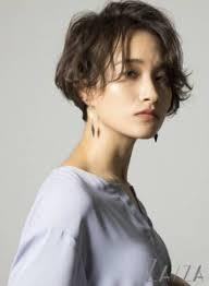 30代40代大人女性に似合うショートヘアスタイル6選ウーマン