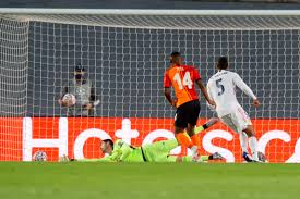 Shakhtar vence Real Madrid em duelo de brasileiros com show de Tetê
