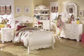 white bedroom furniture decorating ideas. Pine Bedroom Furniture Decorating Ideas Photo - 15 White T
