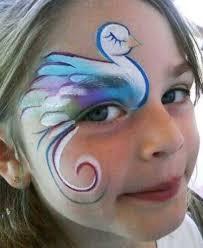 倫 倫 swan face paint design cheek art