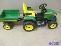john deere motorized kids riding turf tractor with august consignment auction 1 k bid