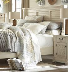 Louvered Bedroom Furniture Ashley Bolanburg 4 Piece Louvered Eastern King Panel Bedroom Set