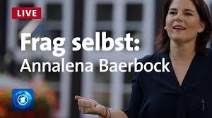 Ta on roheliste kantslerikandidaat 2021. Annalena Baerbock Grune Antwortet Auf Eure Fragen Frag Selbst 2021 Youtube