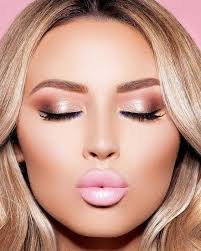 we are loving this rose gold make up palette for homeing do you gold eyeshadow lookssimple
