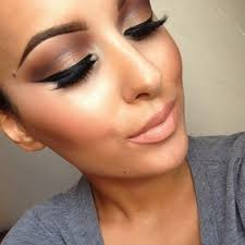 make up tricks make your nose look smaller