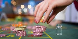 New Online Casinos Vs Live Casinos: The Pros & Cons